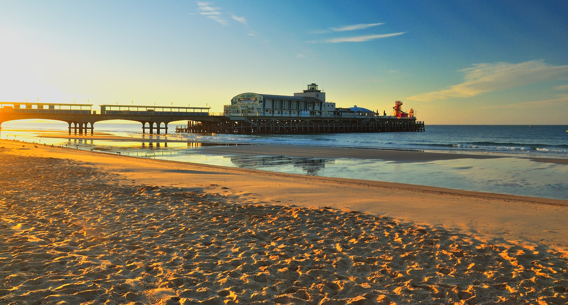 Hotels in Bournemouth, Hotels in Bournemouth seafront, Dance Holidays UK